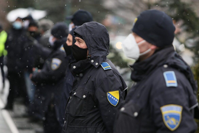 Iako su vakcine u BiH stigle prije 15 dana, državna policija još čeka vakcinaciju